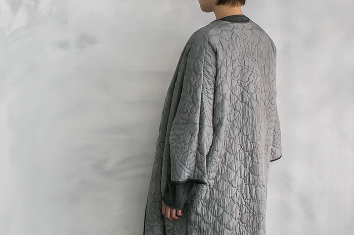 TOWAVASE刺繍キルトローブ